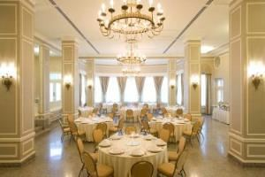 Shenandoah Ballroom Salon C, Stonewall Jackson Hotel & Conference Center, Staunton — Lavish ballrooms