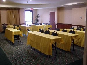 Terrace Room, Courtyard Ontario Rancho Cucamonga, Rancho Cucamonga — Our Terrace room is perfect for your business meetings up to 40 people. It can also be utilized for banquet space up to 50 people. Combined with our Outdoor Courtyard, we have the flexibility to accommodate groups up to 200 people