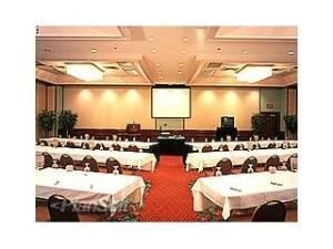 Grand Ballroom, Hilton Cocoa Beach Oceanfront, Cocoa Beach — We offer the versatile space and personalized service you need for a successful function. Over 5,000 square feet of meeting and banquet space for conferences, weddings and pool parties accommodate up to 500 people.
