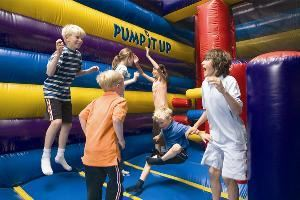Party Arena B, Pump It Up Of Fresno-Madera, Madera