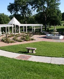 Wedding Area, Rose Garden, Sioux City — Rose Garden in Grandview Park