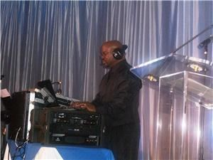 Rhythm Entertainment DJ/KJ Service