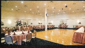Entire Facility, FAIRFIELD MANOR'S VELVET LOUNGE, Fairfield — Ballroom is largest room at the Fairfield Manor--accomodating up to 200 attendees.