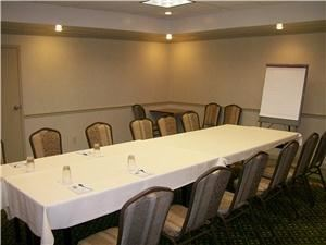 Elyria Room, RAMADA Elyria, Elyria — The Elyria Room is perfect for small meetings, less than 20 guests.  Also, is ideal for Hospitality and Registering your attendees.  Room is located just off the Front Lobby.