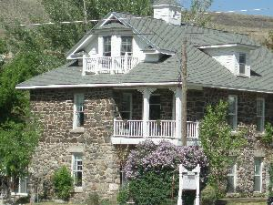 Yellowstone Suites Bed & Breakfast