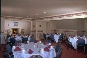 Jefferson Room, Klemmer's Banquet Center, Milwaukee — Jefferson Room - Capacity 56