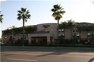 Hampton Inn, Foothill Ranch — Nestled in the foothills of Saddleback Mountain, our Hampton Inn® Los Angeles/South Orange County hotel is located in Foothill Ranch, CA, minutes from all the great activities to be found in south Orange County. Everything from premier shopping to beaches, golfing to amusement parks is close at hand. And our Foothill Ranch, CA hotel is close to John Wayne Airport - a convenient alternative to the hustle and bustle of LAX.