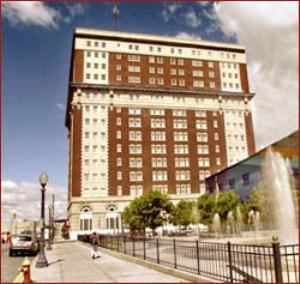 Historic Hotel Utica Clarion Collection