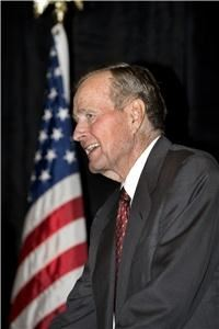 Lillis Photography, Manassas — President Bush speaking at formal dinner gala in Houston, Texas.