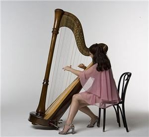 Classical and Celtic Harp-Mia Theodoratus