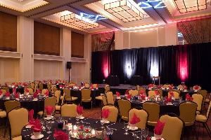 Elizabeth Ballroom, Hilton Newark Airport, Elizabeth — The Elizabeth Ballroom provides simple elegence for your banquet event or conference general session