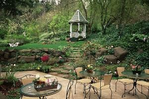 Garden with Gazebo, The Campbell House, A City Inn, Eugene