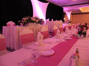 Emerald Wedding Package, Hilton Hotel Bellevue, Bellevue — Wedding Head Table