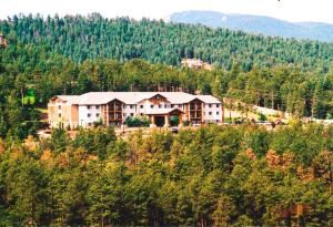 Comfort Suites at Evergreen Parkway, Golden — Nestled in the pines.....