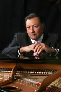 Gino Arcoleo - Pianist For Your Event - Piano Lessons