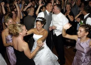 A Party DJ-Wedding Videographer Seattle WA WEDPRO,NET Photo Booth Rental