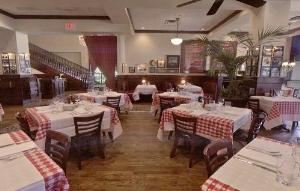 Dining Room, Maggiano's Little Italy - Northpark, Dallas — Dining Room