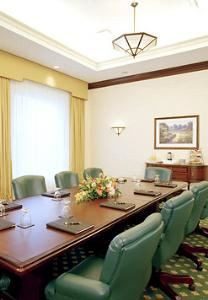 Shorewood, Milwaukee Marriott West, Waukesha — Our spacious boardroom features natural light