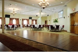 Main Hall Rental (Monday-Friday, 12 pm-4 pm), The Hall at Jackson Crossing, Jackson