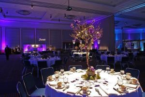 Oregon Convention Center, Portland — The Oregon Convention Center has two beautifully adorned and elegant ballrooms. The Oregon Ballroom is a 25,200 square foot space complete with controlled climate, lighting, speaker systems and utility connections. Our Grand Portland Ballroom is 34,200 square feet and able to host a meal for 2200. 