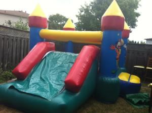 BOUNCY CASTLE AVAILABLE FOR YOU PARTY, ANTONIO & MALEAKS PARTY RENTAL, Scarborough — CLOWN CASTLE