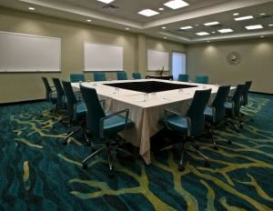 SpringHill Suites Orlando at Seaworld, SpringHill Suites Orlando at SeaWorld, Orlando — Largest meeting room is Dolphin Meeting Space with maximum meeting space of 903 sq ft and maximum seating capacity of 45