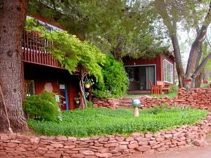 Cathedral Rock Lodge and Retreat Center, Sedona — Welcome to the Cathedral Rock Lodge