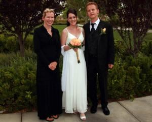 Rev Melissa Tomsik, Las Vegas — Rev Melissa Tomsik of Scenic Las Vegas Weddings.