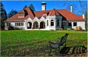 Pequot Library, Southport