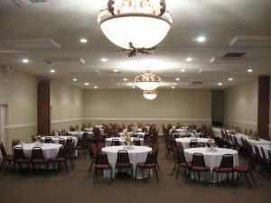 Afternoon Meeting/Parties/Lunchoens or Get-together Room- $80/hr or up, CH Banquet Hall, Marietta — Corporate Meeting