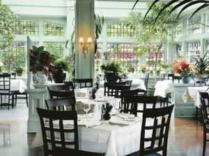 The Dining Room Restaurant, The Butchart Gardens, Brentwood Bay ...
