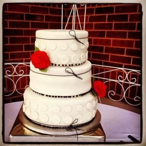 LOVEES CAKES