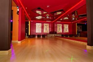 Friday Night Venue Rental – After 6 PM, Brooklyn Party Space, Brooklyn — Back lounge