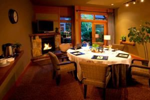 Burke Room, Willows Lodge, Woodinville