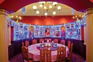 Magnifico, Buca Di Beppo - Thousand Oaks, Thousand Oaks