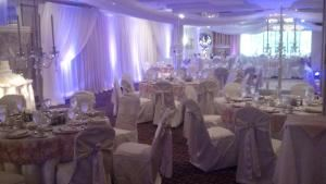 Buffet Wedding Package, Holiday Inn Wilkes Barre - East Mountain, Wilkes Barre