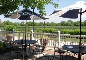 Patio, Timothys Riverfront Grill & Wilmington Hall, Wilmington