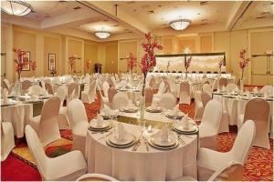 Lunch Banquet Buffet Packages starting at $14.50, Holiday Inn Lincoln-Downtown, Lincoln — 1.JPG