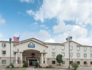 Days Inn and Suites Wichita Falls