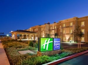 Holiday Inn Express and Suites Napa Valley - American Canyon