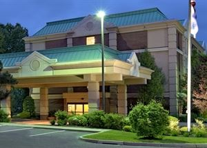 Hampton Inn Hartford-Airport