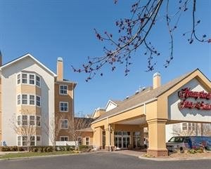 Hampton Inn & Suites Newport News