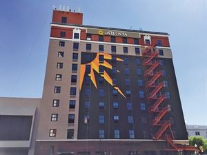 La Quinta Inn & Suites Dallas Downtown