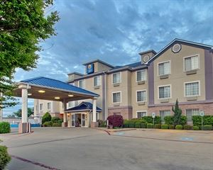 Comfort Inn and Suites Near Cleburne Conference Center