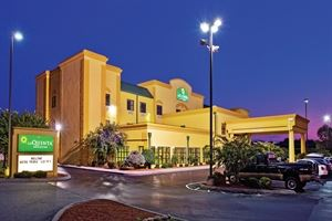 La Quinta Inn & Suites Knoxville East