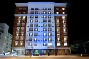 Holiday Inn Express Hotel & Suites - London Downtown