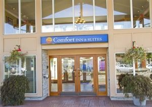 Comfort Inn & Suites North Vancouver