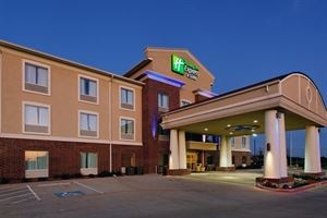 Holiday Inn Express & Suites Cleburne