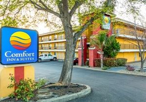 Comfort Inn & Suites Near Folsom Lake