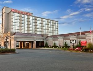 Ramada Plaza Hotel Newark International Airport /EWR
